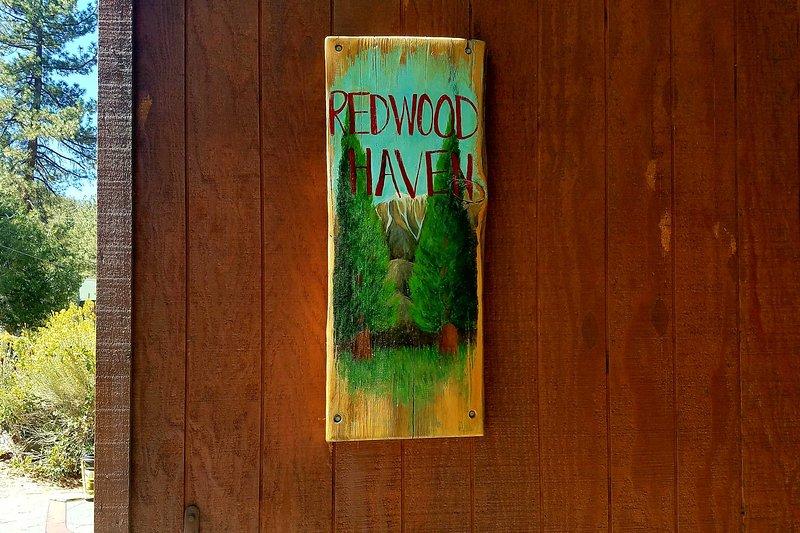 ¡Haz de 'Redwood Haven' tu hogar lejos de casa!