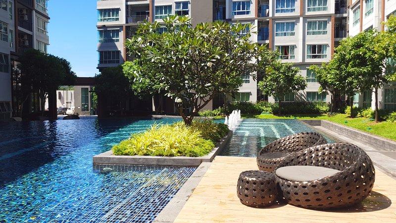 Modern Loft Style Easy To Beach Free Hispeed Wifi & Electricity & Water, holiday rental in Koh Kaew