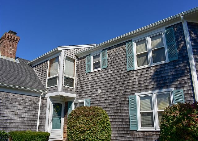 Three bedroom town home located .2 miles to South Village Beach, vacation rental in West Dennis