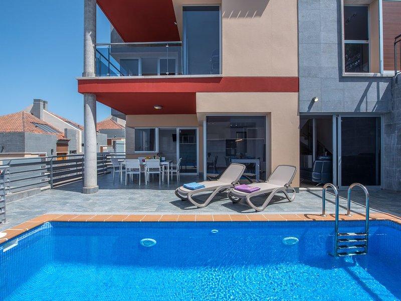 Luxury Villa Puerto de la Cruz, holiday rental in Cuesta de la Villa