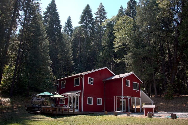 New Listing: Cozy Mtn Home at Fairplay Wine Trail Somerset, CA, holiday rental in Pollock Pines