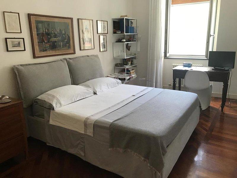CAMERA  FALU'  CON ACCESSO INDIPENDENTE E BAGNO ENSUITE, holiday rental in Castellammare Di Stabia