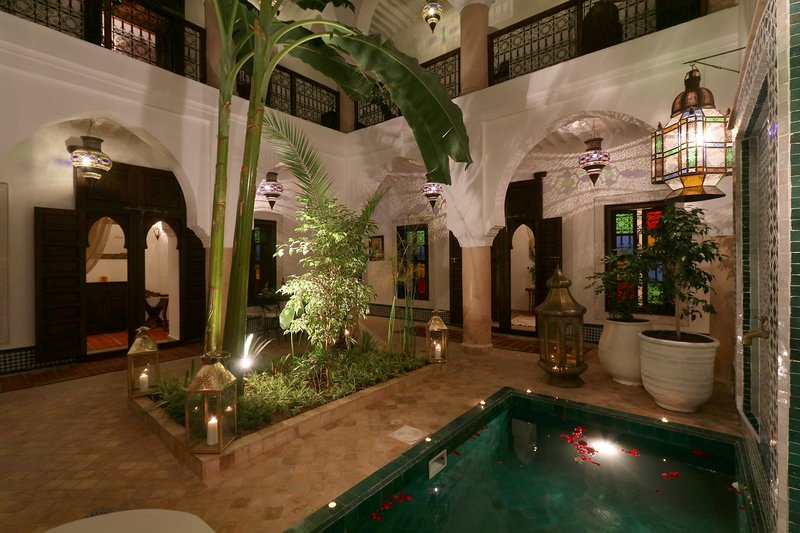 DAR KARILAAN SUPER CENTRAL RIAD IN EXCLUSIVITY WITH POOL, holiday rental in Marrakech