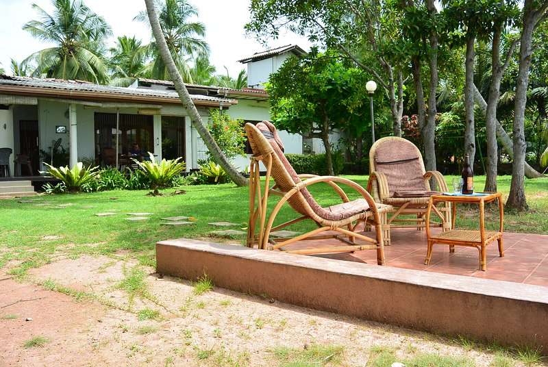 Private villa with chef in Negombo! (full board), holiday rental in Pamunugama