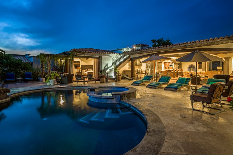 Have the most spectacular stay in Cabo at Casa Mar y Estrella!
