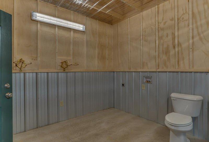 Tack Room inclui lavabo
