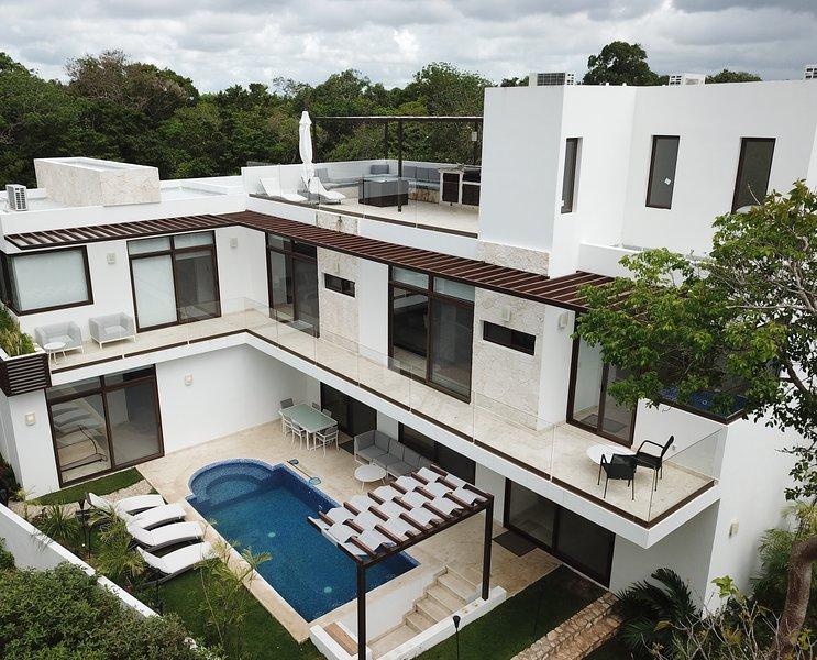 Casa Estrellas - Aerial View - Outdoor Pool
