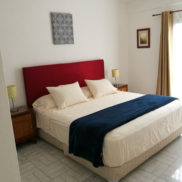 Amatista - Vitange 1 BDRM apt. with pool / Depto. Vintage de 1 rec. c/alberca, holiday rental in Cancun