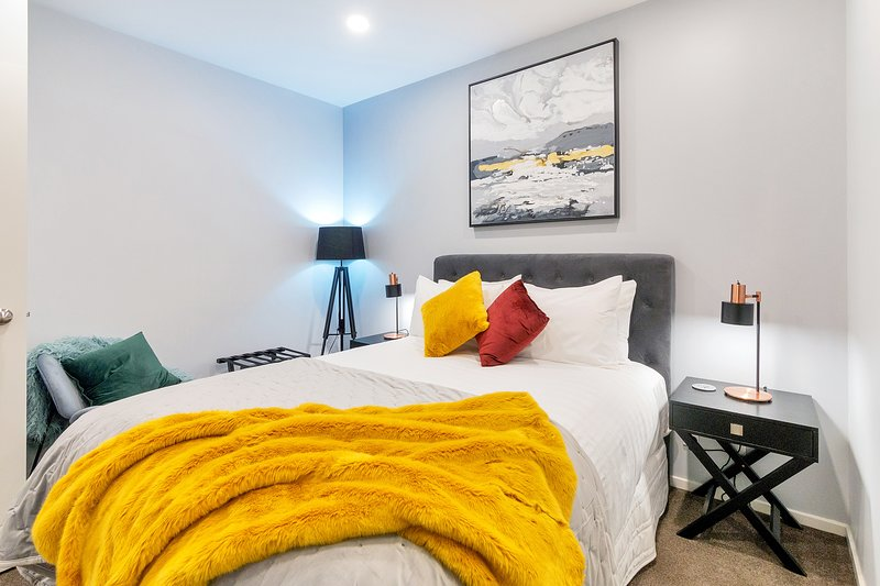★ Superb Chic & Central Apt w/ FREE PARKING ★, holiday rental in Auckland Central