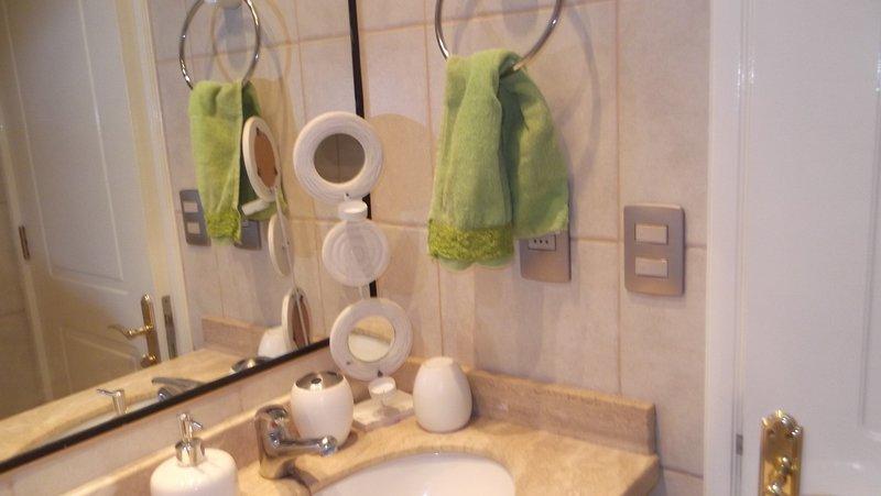 Excelente departamento Duplex equipado, comodo y central en Pucon, vacation rental in Pichare