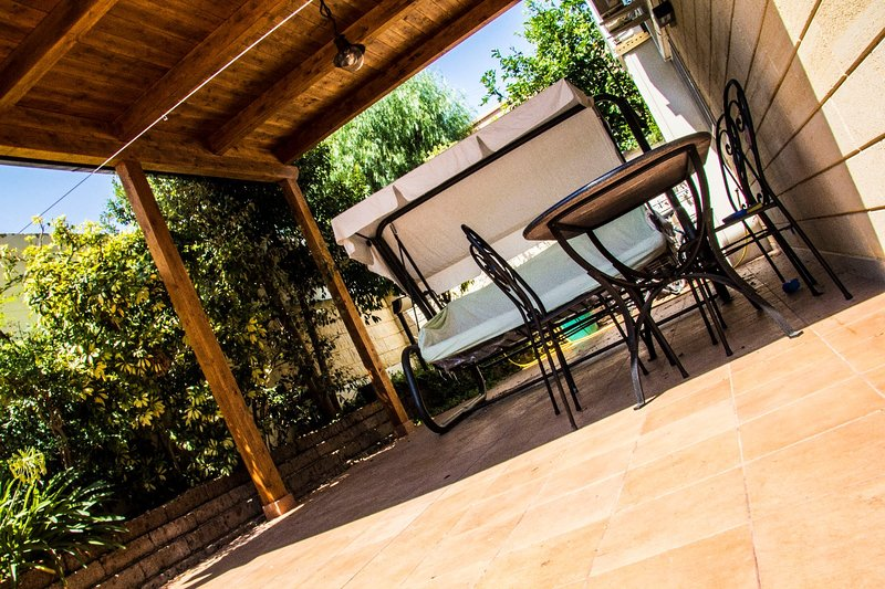 LITTLE HOUSE, vacation rental in Toritto