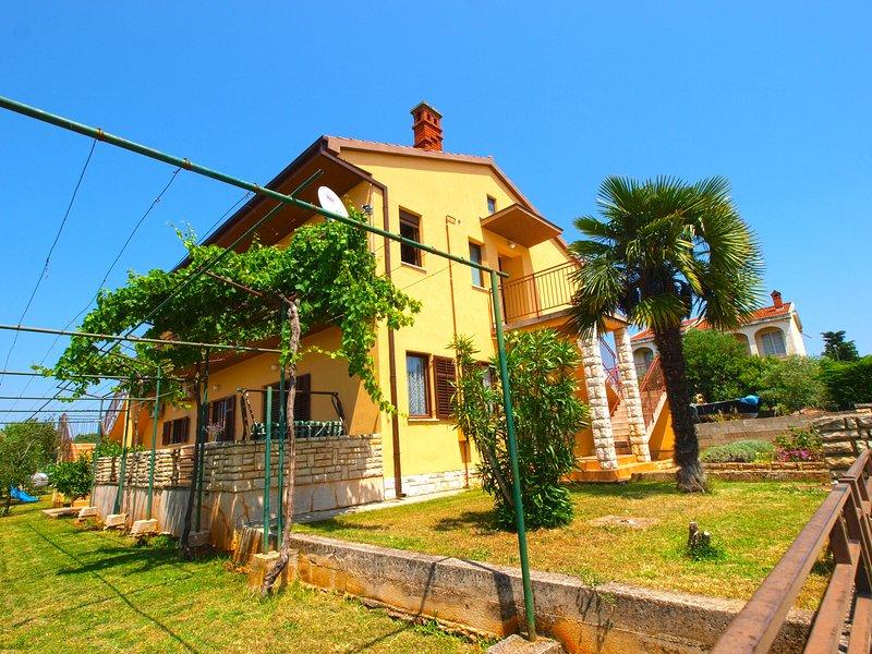 Apartment 809, holiday rental in Peroj