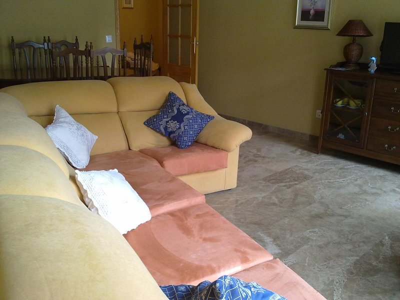 Amazing house with mountain view, vacation rental in Quesada