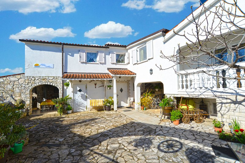 Apartment 16183, holiday rental in Peroj