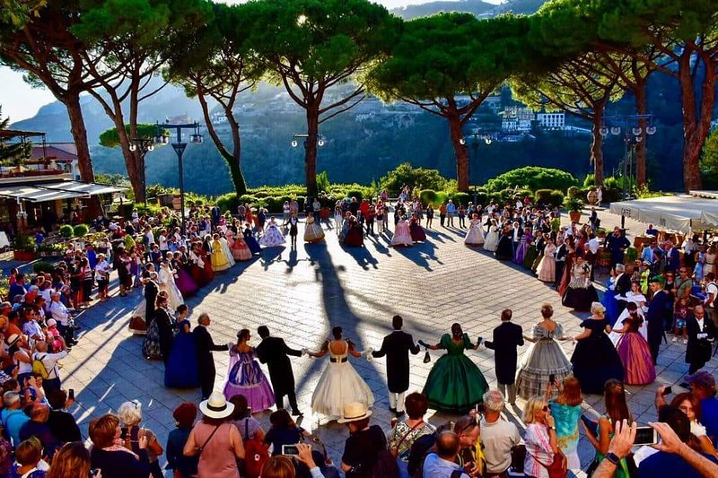 A few steps from the apartments is the lovely Ravello's Square Center.