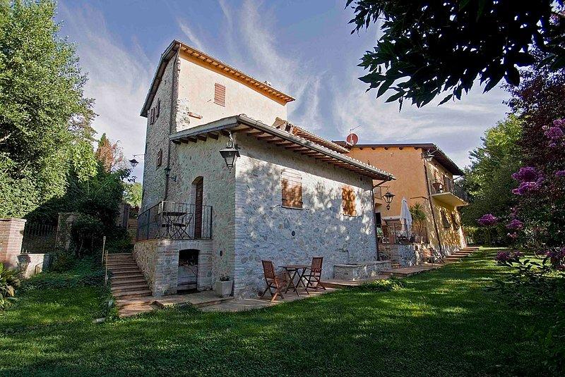 CASALE DEL MONSIGNORE - APPARTAMENTO SUL GIARDINO, holiday rental in Castel Ritaldi