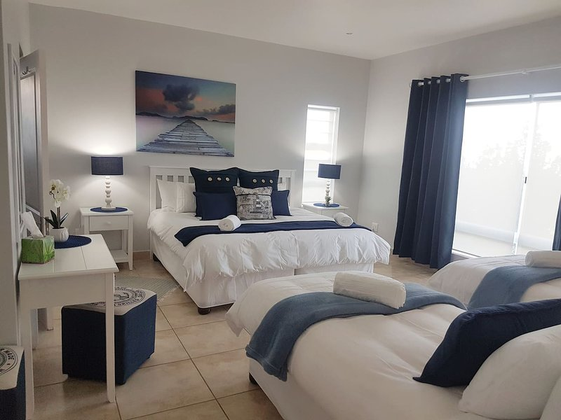 The Sailor's suite, king size bed and 2 single beds