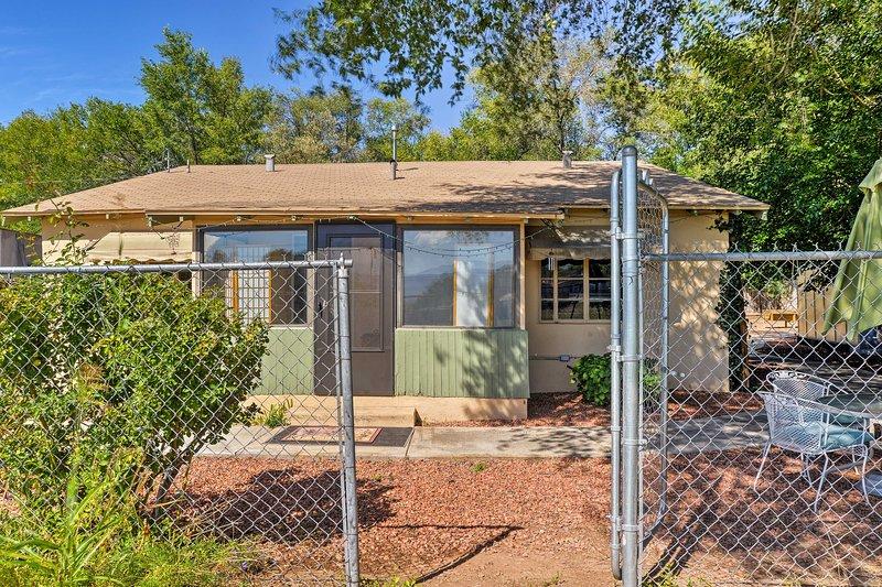 'Garden Party Cottage' promete una estancia relajante en Albuquerque.
