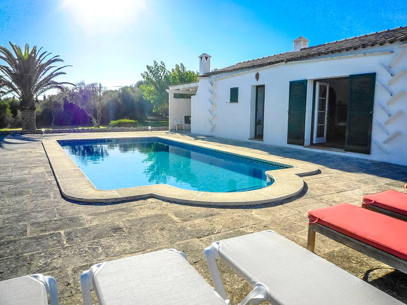 Catalunya Casas: Cozy Villa Saba for 10 guests, only 3 km to the beach!, holiday rental in Cala Morell