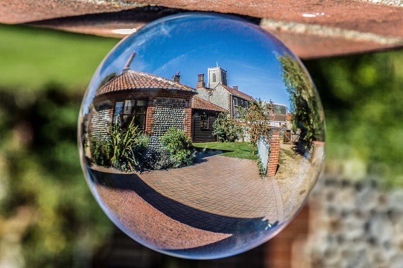 Our guest reviews reveal what it's like to stay at Coach Cottage - we hope you will stay too.