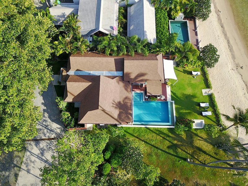 Sunset villa by the beach in a secluded resort, vakantiewoning in Ang Thong