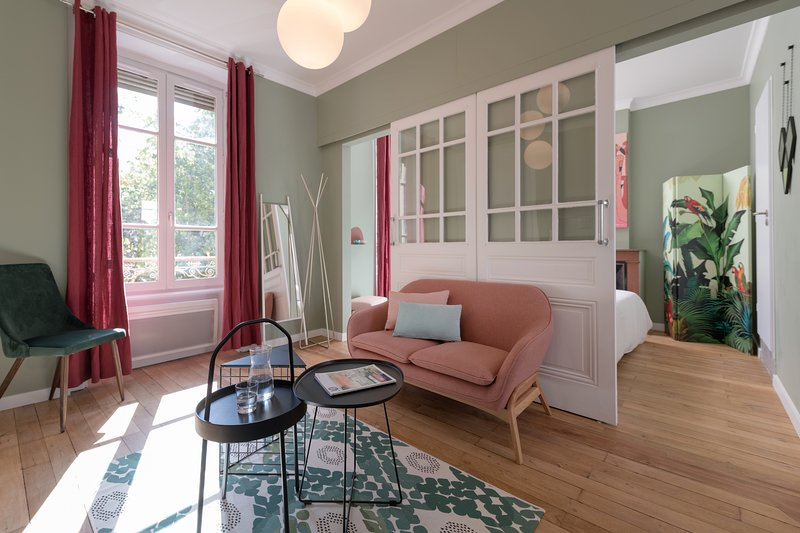 Je Dors A Lyon - Luzerne & Menuet, holiday rental in Venissieux