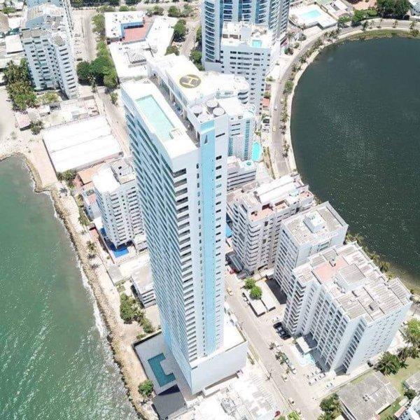 Splendid Caribbean-front Loft El Laguito Cartagena, location de vacances à Bocachica