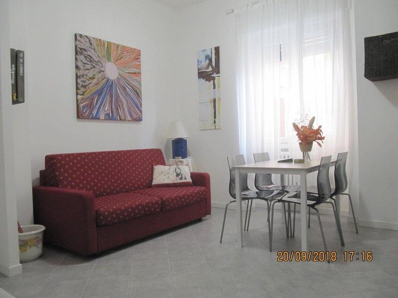 CASA LAURA - Bilocale in centro, Ferienwohnung in Sesto San Giovanni