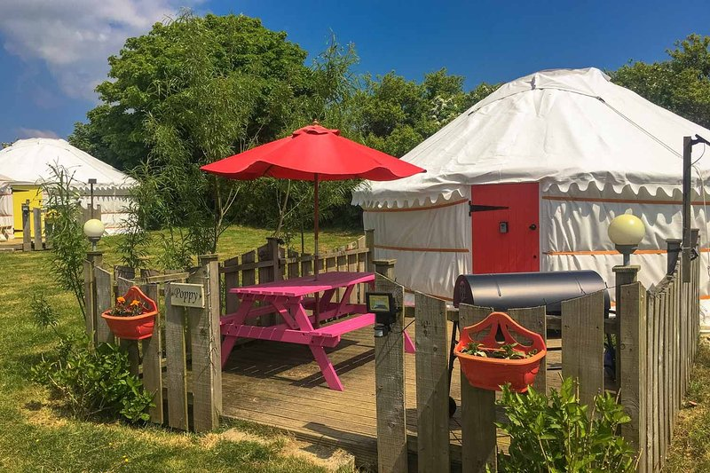 Poppy Yurt, location de vacances à Trispen