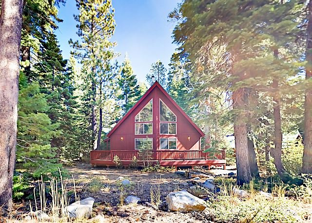 Woodland Retreat at Foot of the Rubicon Trail - 1 Mile from Lake Tahoe, vacation rental in Tahoma