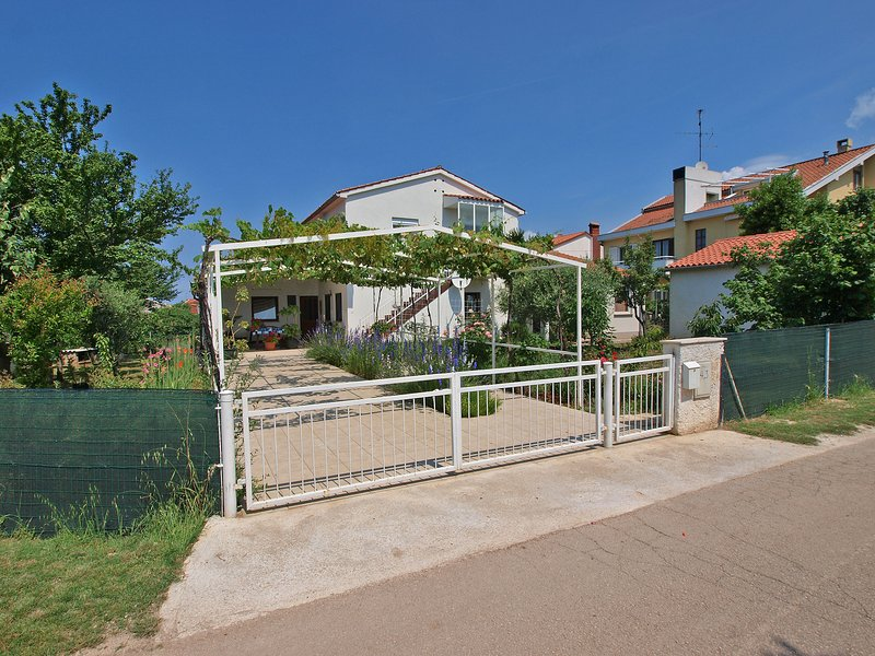Apartment 2165, holiday rental in Valbandon