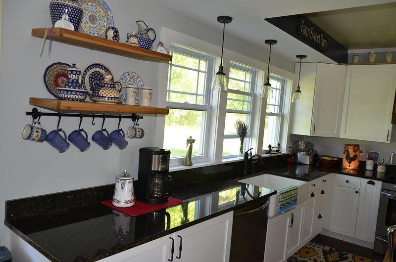 Modern kitchen w/updated appliances.