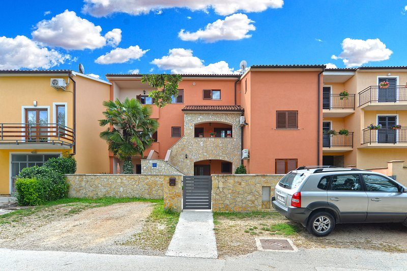 Apartment 1063, alquiler vacacional en Stinjan