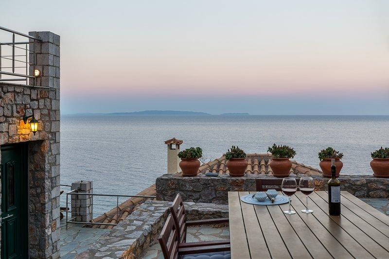 Amazing sea view_villa 4, casa vacanza a Leonidio