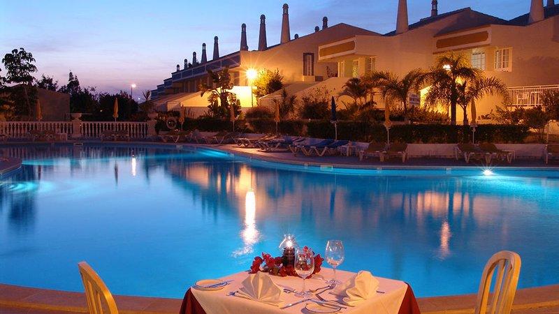 magnifique villa en resort près des plages, holiday rental in Sesmarias