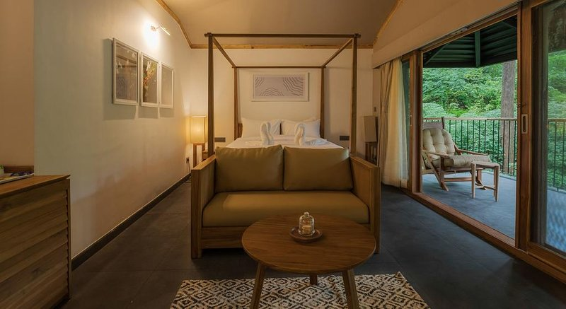 Ayatana Resort (Standard Room 8), vacation rental in Somwarpet