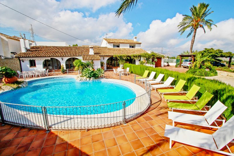 Finca San Jaime - sea view holiday home with private pool in Benissa, Ferienwohnung in Canor