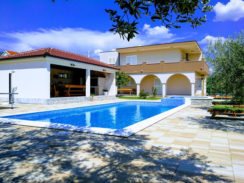 Apartment House Kaštela, vacation rental in Kastela