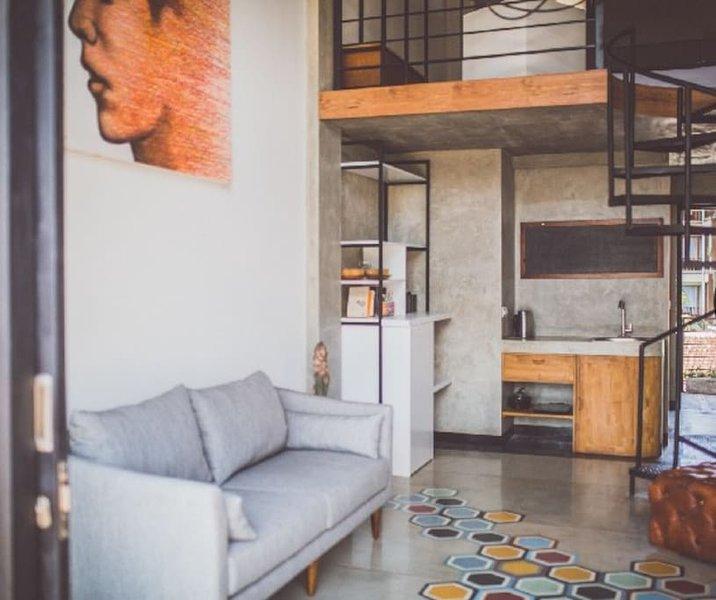 Jepun Mezzanine Apartment Loft