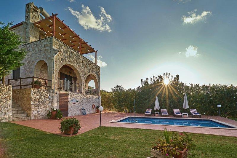 Private pool★Stone villa ★ Sea View, location de vacances à Nteres