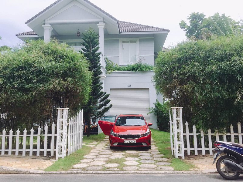 QUANPHONG VILLA, holiday rental in Phu Thuy