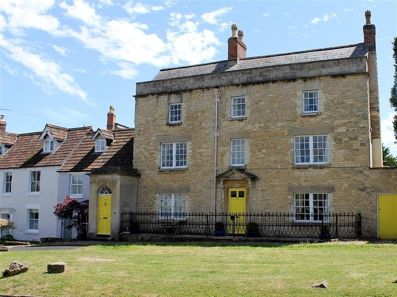 HORSEBROOK HOUSE APARTMENT H147, vacation rental in Lacock