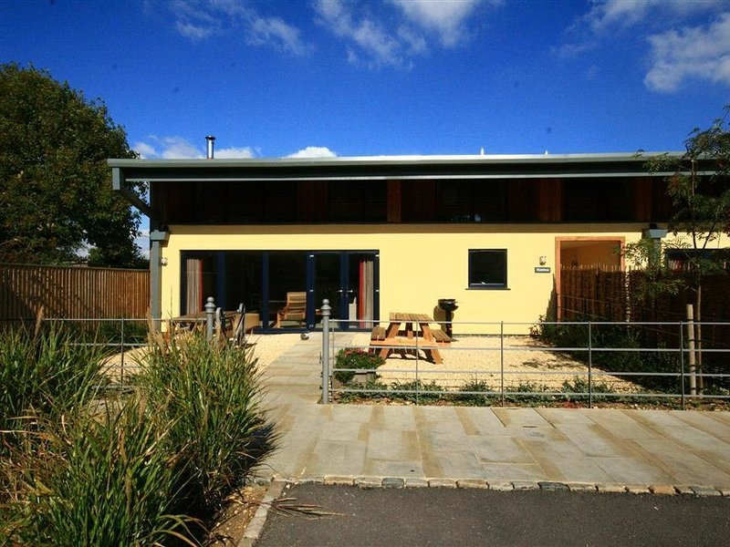 HAZELNUT BARN, 4 bedrooms and perfect for friends and families, Notgrove, location de vacances à Naunton