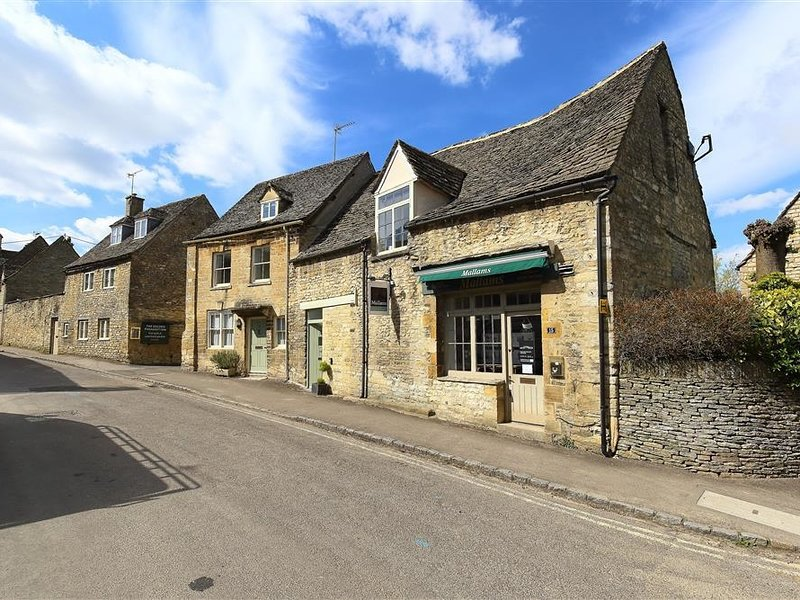 Burford's Old Bakery, Burford, location de vacances à Holwell