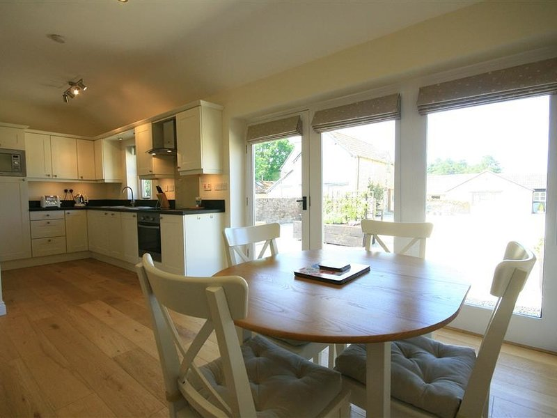 Nutchat Barn, Burford, holiday rental in Carterton