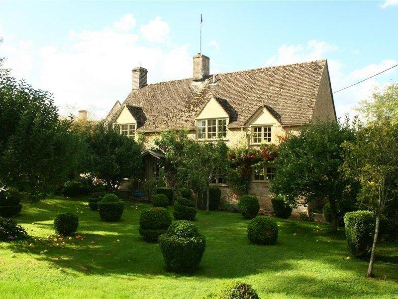 Pear Tree Cottage, Bledington, casa vacanza a Bledington