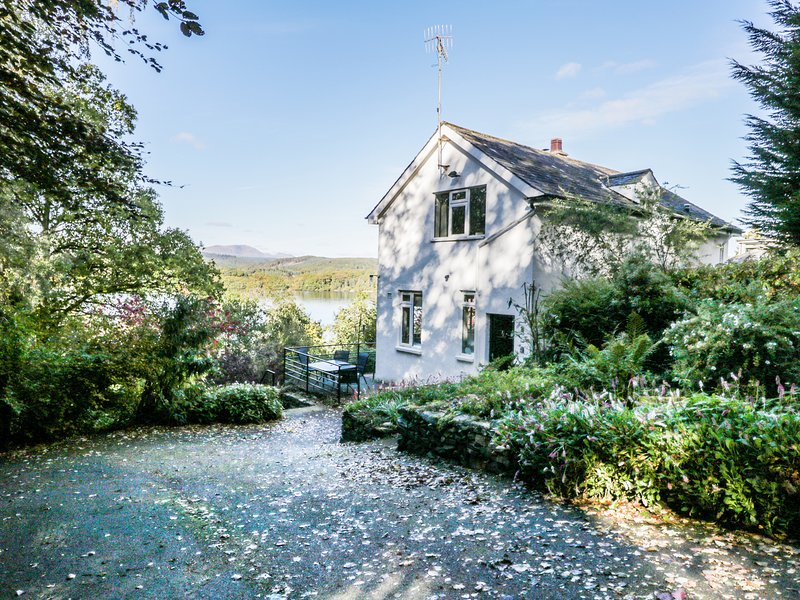 Beech How Cottage, Bowness-On-Windermere, vacation rental in Bowland Bridge