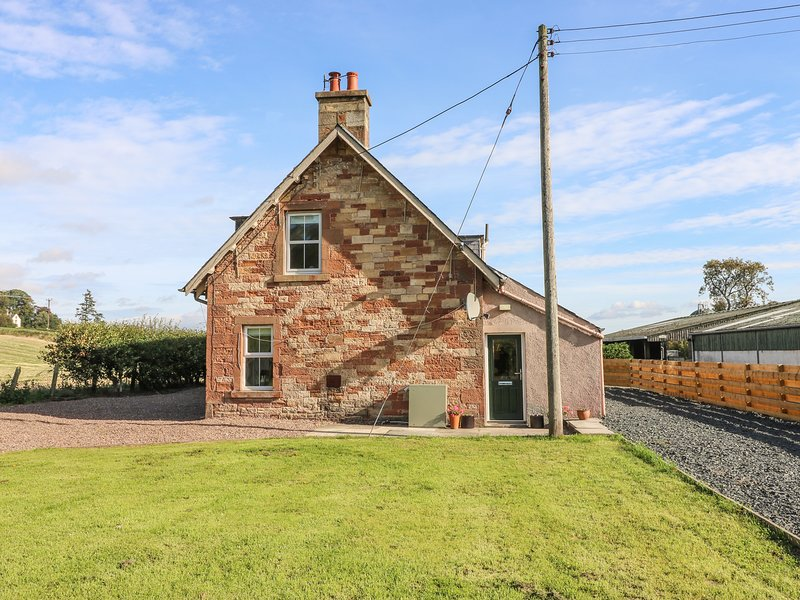 BONJEDWARD MILL FARM COTTAGE, dog-friendly, near Jedburgh, holiday rental in Jedburgh