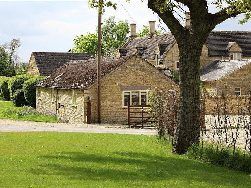 KITE BARN, WiFi, Spacious rooms, Barton on the Heath, alquiler vacacional en Moreton-in-Marsh