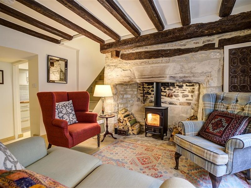 2 LAWRENCE LANE, 3 bedrooms and perfect for friends and families, Burford, location de vacances à Holwell